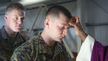 deployed_us_marines_soldiers_observe_ash_wednesday_150218-m-om669-813